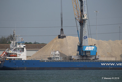 PENHAR Unloading Southampton PDM 13-05-2016 12-43-05