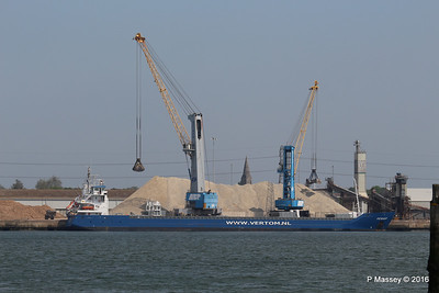 PENHAR Unloading Southampton PDM 13-05-2016 12-28-50