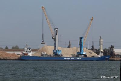 PENHAR Unloading Southampton PDM 13-05-2016 12-28-57