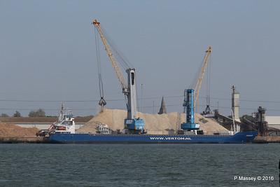 PENHAR Unloading Southampton PDM 13-05-2016 12-28-052