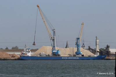 PENHAR Unloading Southampton PDM 13-05-2016 12-28-44