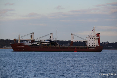 ANJELIERSGRACHT with Yachts Inbound Southampton PDM 16-04-2016 18-48-55