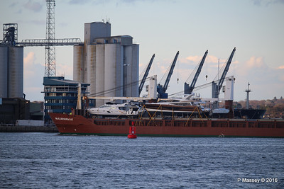 ANJELIERSGRACHT with Yachts Inbound Southampton PDM 16-04-2016 18-51-054