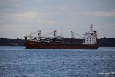 ANJELIERSGRACHT with Yachts Inbound Southampton PDM 16-04-2016 18-48-04