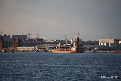 ANJELIERSGRACHT with Yachts Arriving Southampton PDM 16-04-2016 18-59-40