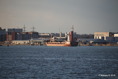 ANJELIERSGRACHT with Yachts Arriving Southampton PDM 16-04-2016 18-59-41