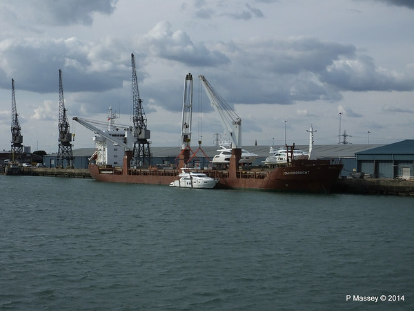EGMONDGRACHT Loading Yachts Southampton PDM 22-08-2014 17-16-35