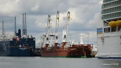 AEGEAN BREEZE FLORAGRACHT NAVIGATOR OF THE SEAS Southampton PDM 16-06-2016 11-48-08