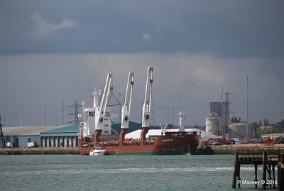 FLORAGRACHT Loading Yachts Southampton PDM 15-06-2016 12-30-08