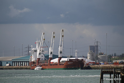 FLORAGRACHT Loading Yachts Southampton PDM 15-06-2016 12-30-010