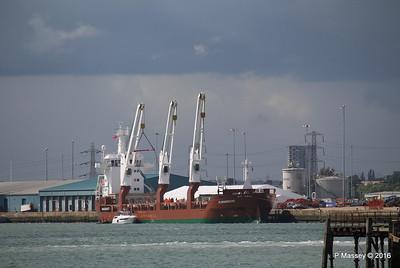 FLORAGRACHT Loading Yachts Southampton PDM 15-06-2016 12-30-09