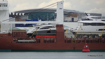 Yachts on board FLORAGRACHT Southampton PDM 18-06-2016 17-14-12