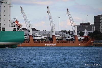 CHRISTOPHER Passing MINERVAGRACHT Southampton PDM 11-10-2016 14-37-58