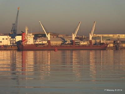 QAMUTIK Loading Yachts Southampton PDM 30-12-2014 15-46-57