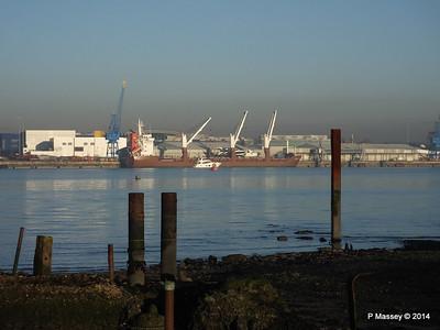 QAMUTIK Loading Yachts Southampton PDM 30-12-2014 14-55-39