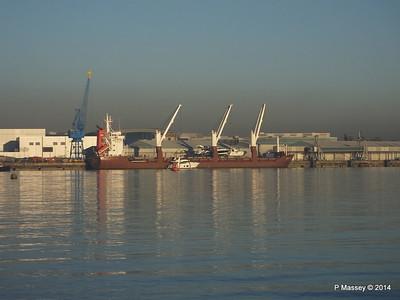 QAMUTIK Loading Yachts Southampton PDM 30-12-2014 15-07-30