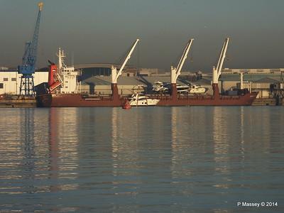 QAMUTIK Loading Yachts Southampton PDM 30-12-2014 15-14-02