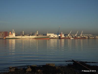 NAGATO REEFER Outbound Passing QAMUTIK Southampton PDM 30-12-2014 15-08-54