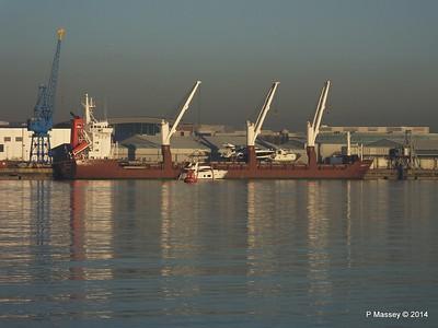 QAMUTIK Loading Yachts Southampton PDM 30-12-2014 15-07-035