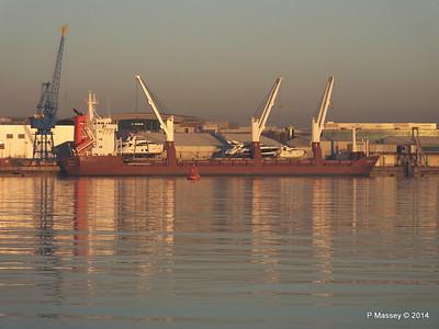 QAMUTIK Loading Yachts Southampton PDM 30-12-2014 15-46-58