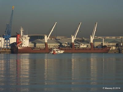 QAMUTIK Loading Yachts Southampton PDM 30-12-2014 15-01-051