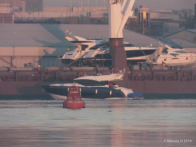 QAMUTIK Loading Yachts Southampton PDM 30-12-2014 15-59-25