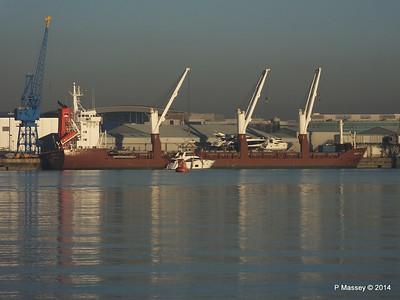 QAMUTIK Loading Yachts Southampton PDM 30-12-2014 15-01-49