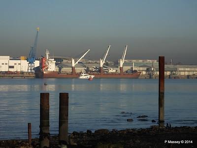 QAMUTIK Loading Yachts Southampton PDM 30-12-2014 14-55-44