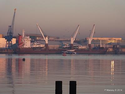QAMUTIK Loading Yachts Southampton PDM 30-12-2014 15-59-21