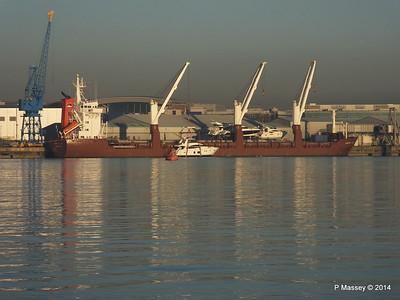 QAMUTIK Loading Yachts Southampton PDM 30-12-2014 15-14-04