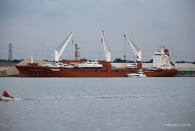 STADIONGRACHT Loading Yachts Southampton PDM 07-10-2016 17-32-19