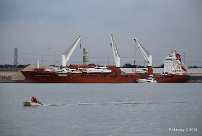 STADIONGRACHT Loading Yachts Southampton PDM 07-10-2016 17-32-17