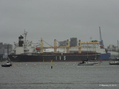 Rain Mist TOPFLIGHT Departing Southampton PDM 21-12-2013 13-28-21
