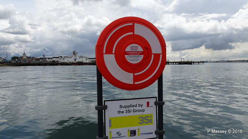 Lifebelt at Seawork 2016 Southampton PDM 16-06-2016 11-40-06