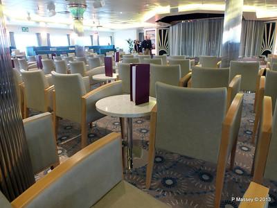 VOYAGER Darwin Lounge 14-05-2013 11-50-40