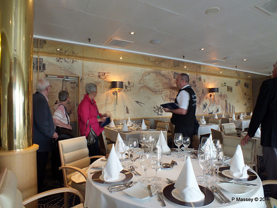 VOYAGER Explorer Club Restaurant 14-05-2013 11-58-38