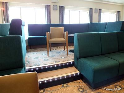 VOYAGER Darwin Lounge 14-05-2013 11-52-40