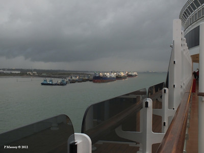 Fawley Tugs & Tankers from QUEEN VICTORIA 17-10-2012 17-29-31