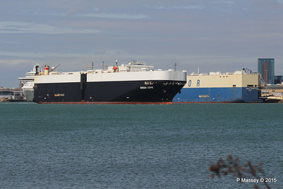 GREEN COVE Passing MORNING CARINA Southampton PDM 12-04-2015 15-17-19