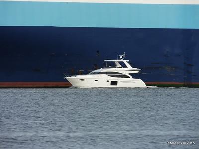 Yacht passing G POSEIDON way to STATENGRACHT Southampton PDM 17-01-2015 14-59-033