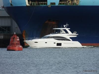 Yacht passing G POSEIDON way to STATENGRACHT Southampton PDM 17-01-2015 14-59-45