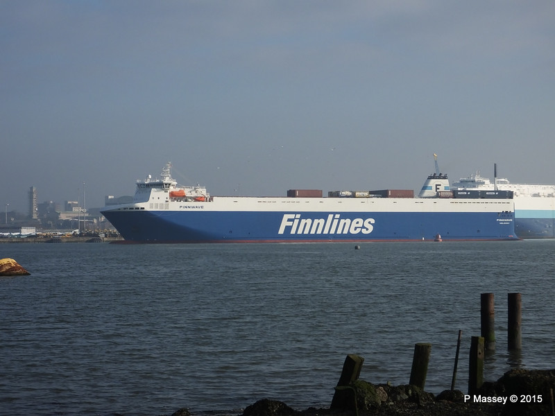FINNWAVE Arriving Southampton PDM 22-01-2015 10-37-53