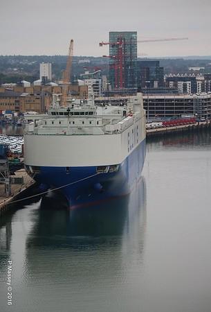 17 Jul 2016 GLOVIS CAPTAIN Alongside Southampton - shipsnmoreships