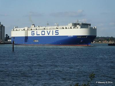 GLOVIS SPIRIT Departing Southampton PDM 22-07-2014 18-11-25