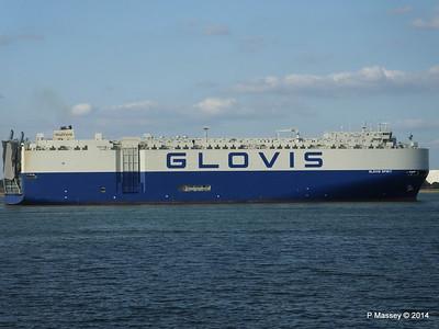 GLOVIS SPIRIT Departing Southampton PDM 22-07-2014 18-14-06