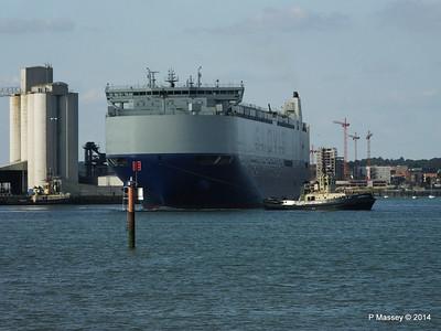 GLOVIS SPIRIT Departing Southampton PDM 22-07-2014 18-09-19