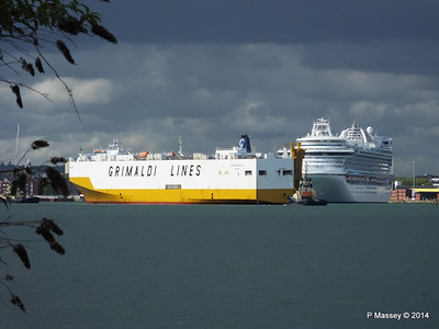 GRAND BENELUX Moving Berths Southampton PDM 04-06-2014 18-02-15
