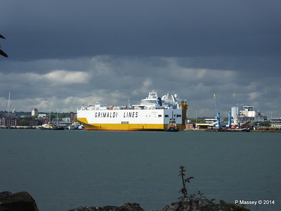GRAND BENELUX Moving Berths Southampton PDM 04-06-2014 18-03-27