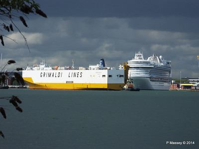 GRAND BENELUX Moving Berths Southampton PDM 04-06-2014 18-02-12