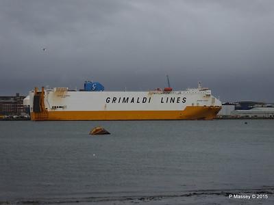 GRANDE EUROPA Passing SPLENDID ACE Southampton PDM 14-01-2015 15-56-27